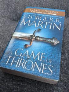 A game of thrones av George R. R. Martin